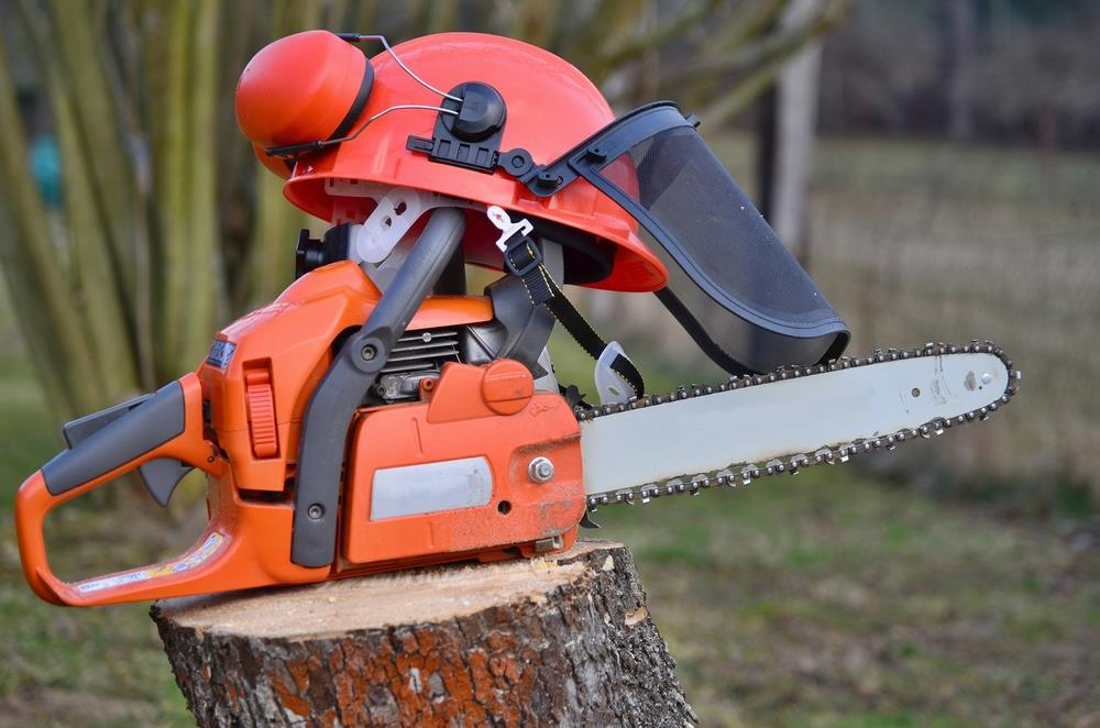 How Does an Exact Chain Saw Automatic Oiler Work