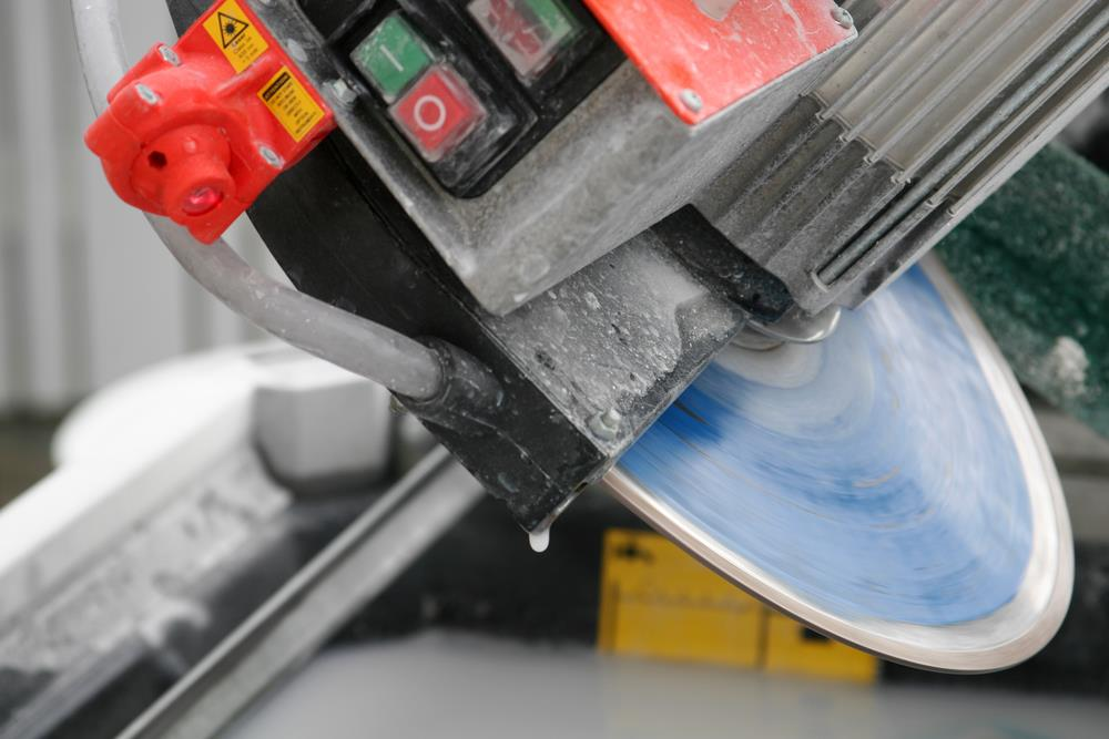 How to Sharpen a Tile Saw Blade
